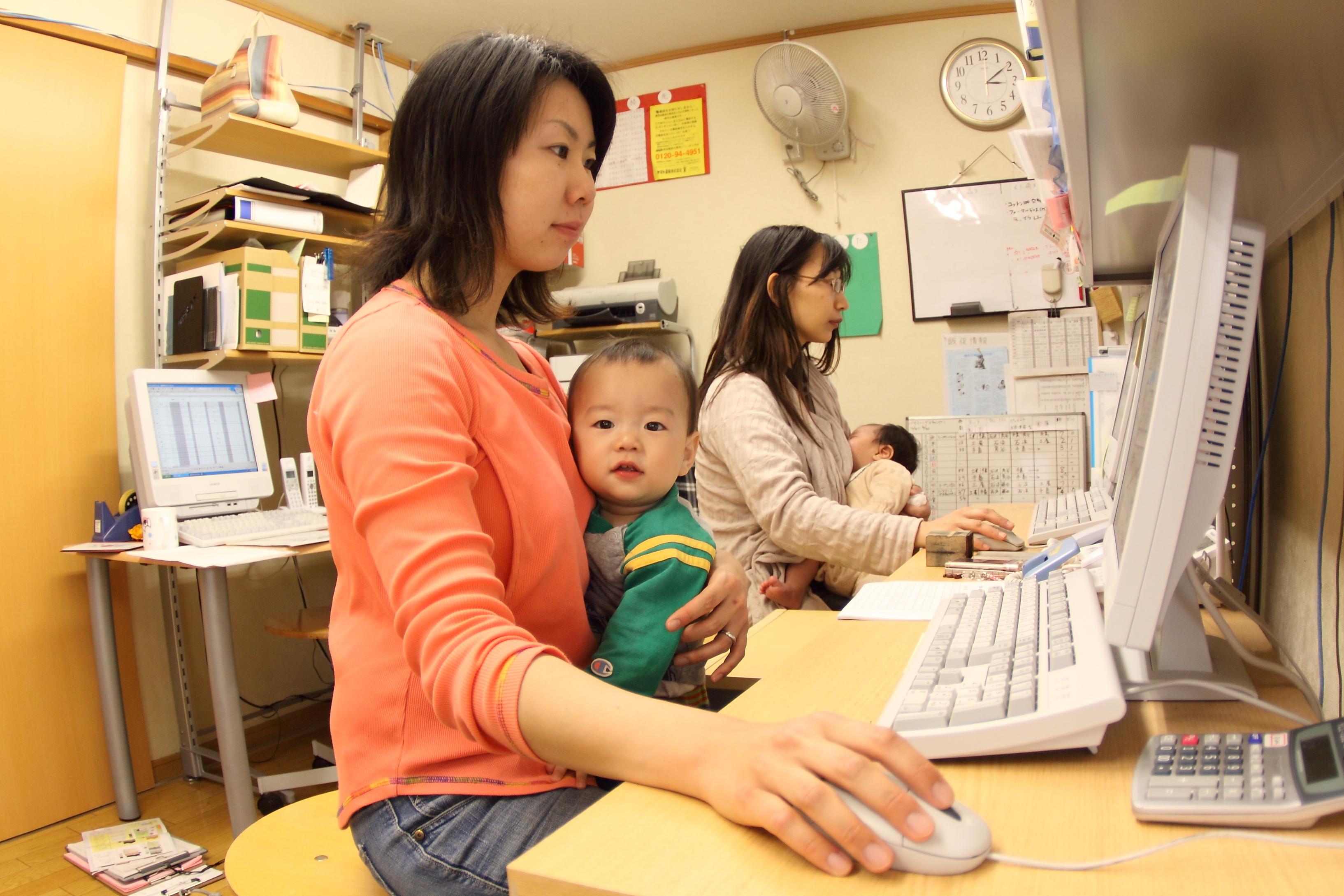 【講演会当日の動画をUPしました!】ここからうまれるイノベーション連続セッション「子連れ出勤」という就業スタイル~キャリアを活かす事業戦略を考える」