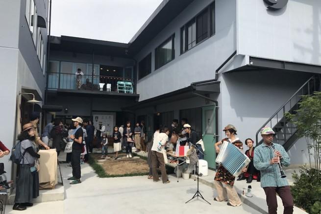 元美術学校をリノベーションした複合施設「THE SITE」