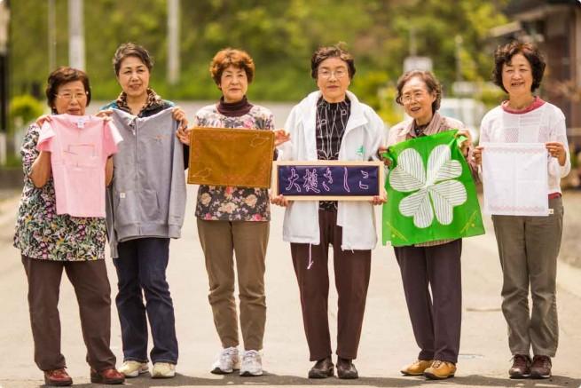 岩手県・大槌町の女性たちによる「大槌復興刺し子プロジェクト」 (写真提供:テラ・ルネッサンス Photo by t.koshiba)