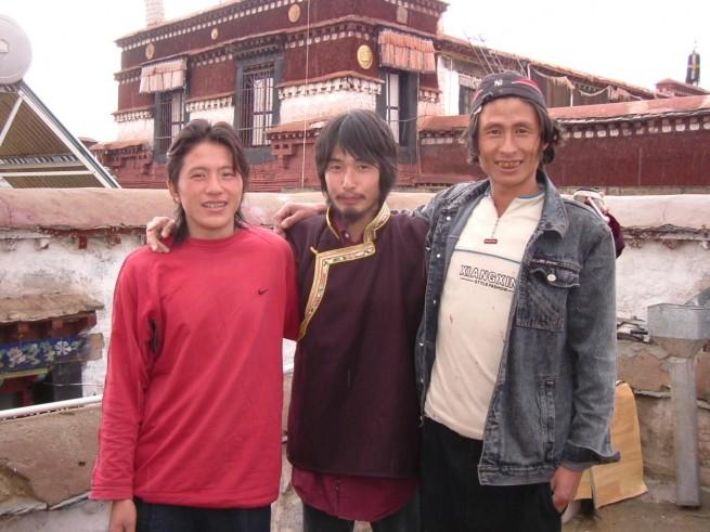 バックパッカーをしていたころの小野さん。チベットにて。