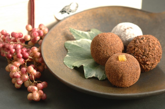 人気商品の、カカオが香るチョコレート・トリュフ