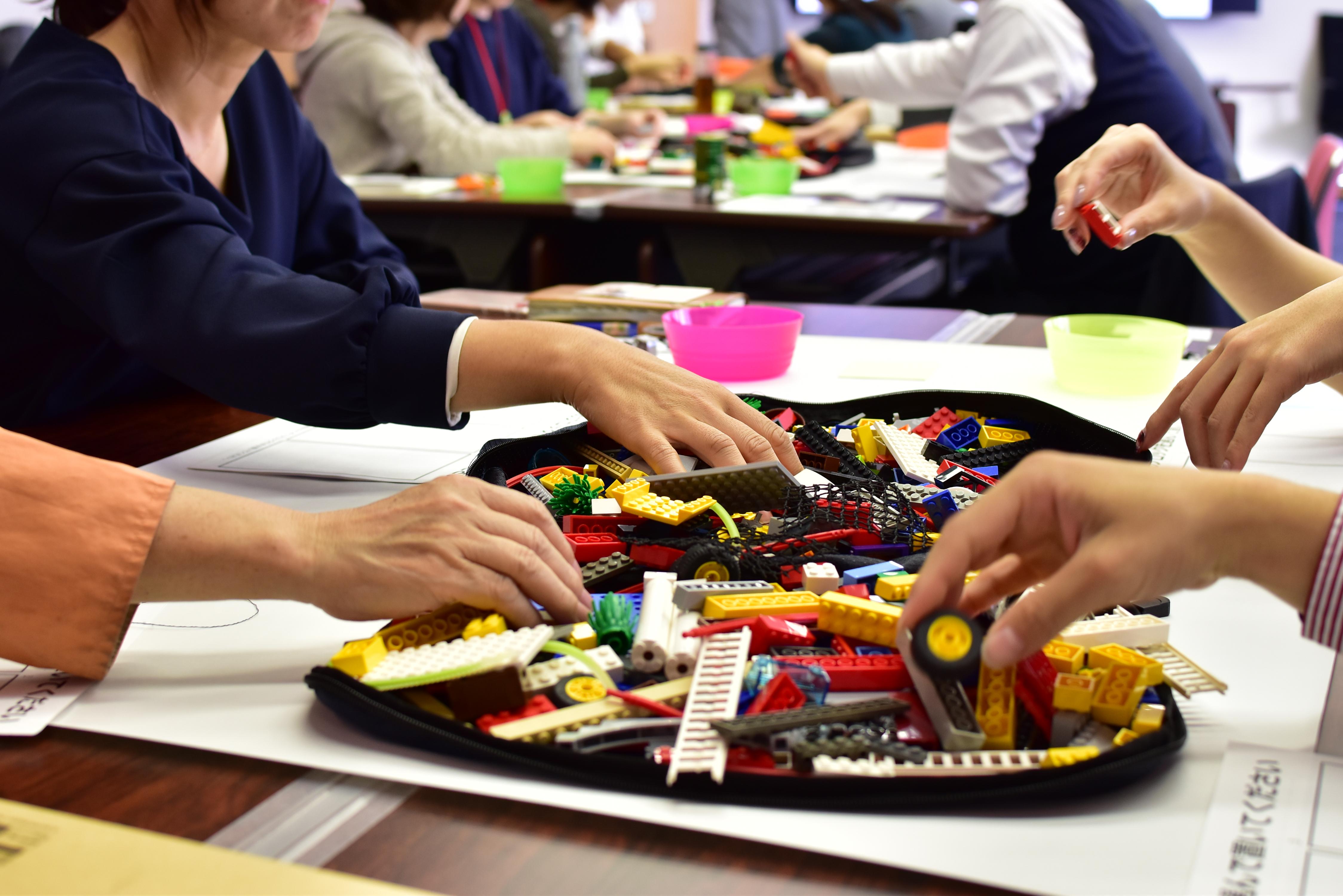 状況を俯瞰して捉え、言語化しにくい考えを伝え合う、レゴ®ワークショップ│働き方改革セミナーレポート[後編]